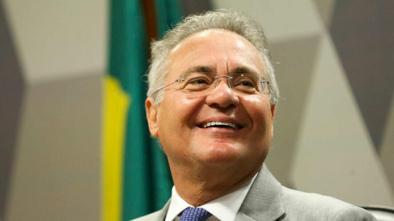O senador Renan Calheiros em sessão;