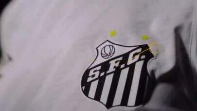 Santos lança novo uniforme para a temporada no dia em que comemora 109 anos; veja fotos