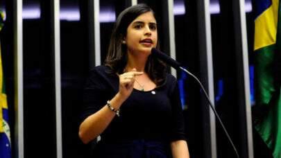 Deputada volta atrás após ser criticada por ser favorável a reabertura de escolas e faculdades durante a pandemia