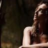 """Débora Nascimento relembra foto à vontade e chama a atenção: """"Sereia fora do mar"""""""