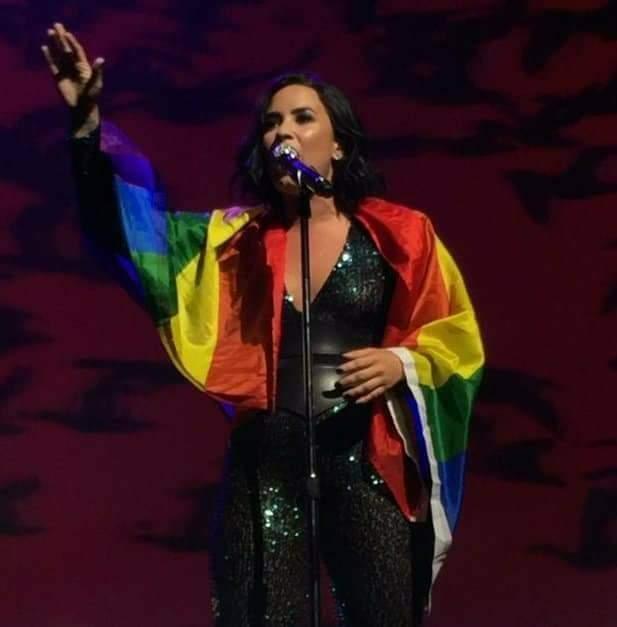 Demi Lovato vai cantar em evento LGBT