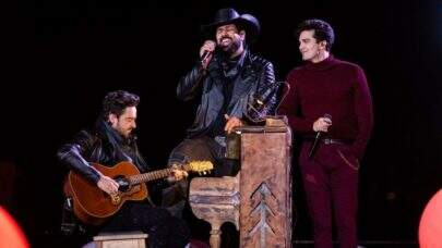 """Fernando, da dupla com Sorocaba, canta """"Nossa Senhora"""" com Luan Santana e emociona os fãs"""