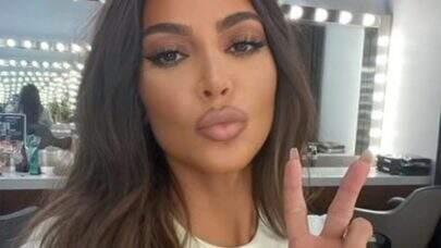 """Kim Kardashian compartilha look do filho Saint West e internautas elogiam: """"Maravilhoso"""""""