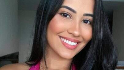 """Em clique, Thaynara OG impressiona com sorriso: """"Tá com uma cara boa, hein?"""""""