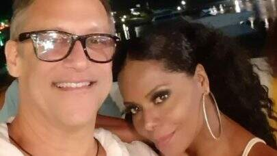 Adriana Bombom está fora do Power Couple Brasil por conta do marido. Entenda o motivo