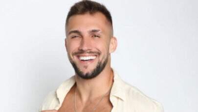 Arthur Picoli desabafa e afirma que dará um tempo nas redes sociais