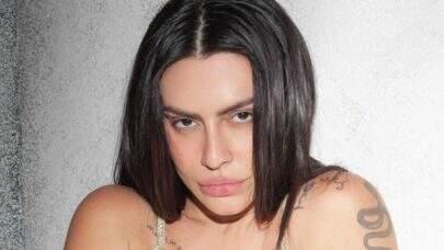 """Cleo divulga bastidores de ensaio e esbanja beleza natural em vídeo: """"Saudades"""""""