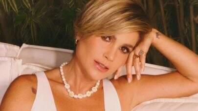Flávia Alessandra ostenta boa forma com look minalista e dá o que falar na web