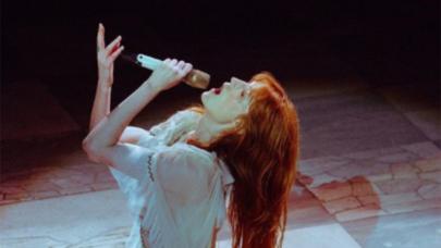 """Florence + The Machine divulga prévia de música feita para o filme """"Cruella""""; ouça!"""