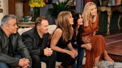 """Atores de Friends compartilham detalhes de reunião e fãs se emocionam: """"Chorando"""""""