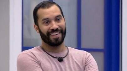 """Ex-BBB Gil do Vigor faz desabafo sobre ataques homofóbicos: """"Ainda machuca muito!"""""""