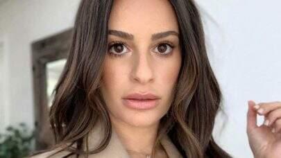 Segundo jornalista, Lea Michelle, atriz de Glee, jogou um sapato em funcionária durante ensaio fotográfico: 'Ela é desagradável'