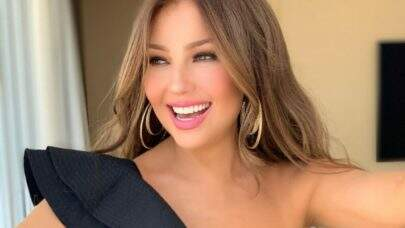 "Em clima praiano, Thalia se diverte no clipe de ""Mojito""; confira!"