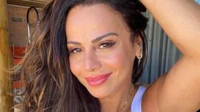 """Viviane Araújo relembra foto com fantasia de carnaval e ostenta saúde: """"A melhor"""""""