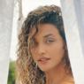 """Débora Nascimento mostra foto surfando e dispara: """"Viva, aprecie e agradeça"""""""