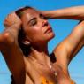 Aos 51 anos, Luciana Gimenez mostra corpão em dia na praia