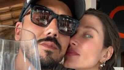 Gabriela Pugliesi dá presente de R$ 4 mil para namorado, Túlio Dek