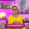 """Ana Maria Braga apresenta """"Mais Você"""" com um par de chifres na cabeça"""