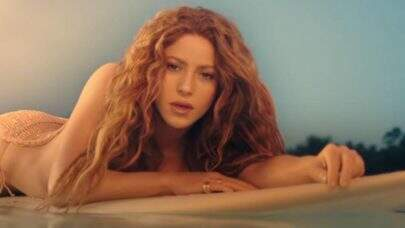 """Shakira aparece se divertindo nos bastidores do clipe de """"Don't Wait Up""""; veja"""