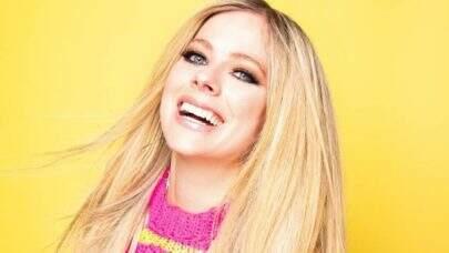 Avril Lavigne anuncia data de lançamento de nova música e deixa fãs ansiosos