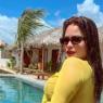 """Inspirada, Geisy Arruda divulga diversos cliques de nova viagem: """"A vida é boa"""""""