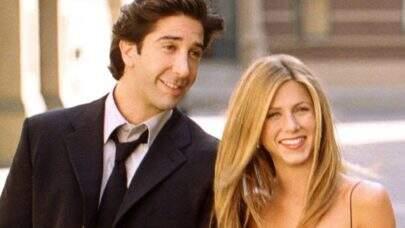 Após boatos, David Schwimmer e Jennifer Aniston negam romance