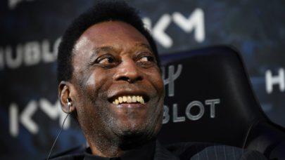 """Pelé volta para UTI e filha do ex-jogador comenta estado de saúde: """"É muito normal"""""""