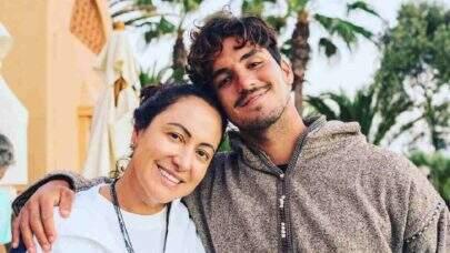 """Mãe de Gabriel Medina contraria polêmicas e celebra conquista do filho: """"Parabéns"""""""