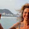 """Aos 51 anos, Luciana Gimenez exibe boa forma com novo biquíni: """"Bom dia"""""""