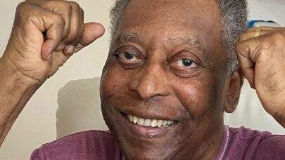 """Pelé tem alta da UTI do Hospital Albert Einstein e comemora: """"Estaremos juntos em breve"""""""