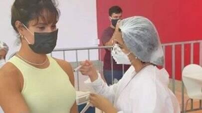Esposa de Wesley Safadão presta depoimento sobre vacinação irregular contra a Covid-19