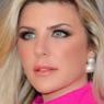 """Ex-BBB Iris Stefanelli revela detalhes após ter sido assaltada: """"Não tenho um centavo"""""""