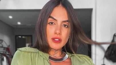 """Ex-BBB Carol Peixinho exibe corpo fitness em frente ao espelho: """"Coisa linda"""""""