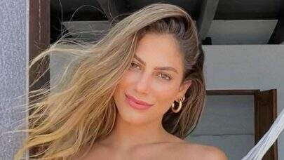 Mari Gonzalez renova bronzeado e ostenta boa forma impressionante na web