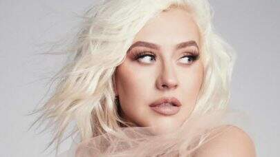 Com novo visual, Christina Aguilera surpreende nas redes sociais ao anunciar lançamento de sua nova música