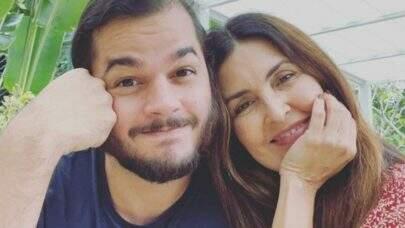 """Fátima Bernardes é cuidada por Túlio Gadelha após cirurgia no ombro: """"Minha paciente"""""""