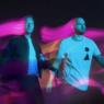 """Com uma sonoridade mais pop, Coldplay lança o aguardado álbum """"Music Of The Spheres"""" e anuncia turnê"""